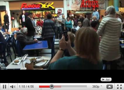 Christmas Food Court Flash Mob