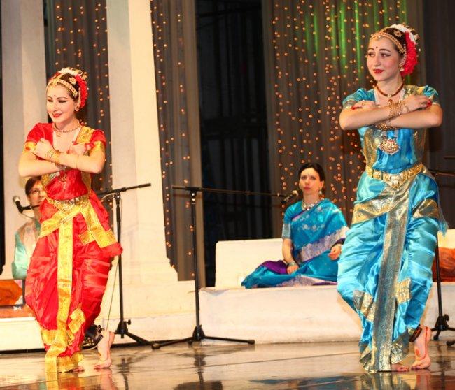 15 апреля.  Концерт индийской музыки и танца. Челябинск!