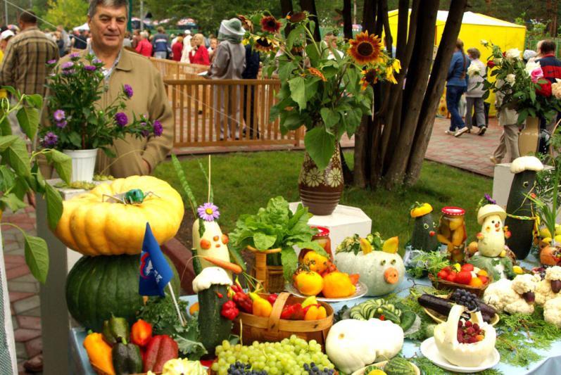 Выставка цветов и плодов